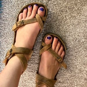 Yara Habana Oil Leather Sandals